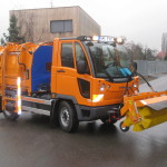 Multicar M27 válcový silniční zametač