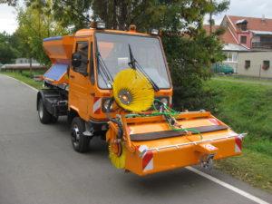 Multicar silniční zametač se zásobníkem na smetky