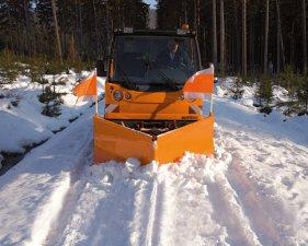 Multicar M27 sněhová šípová radlice