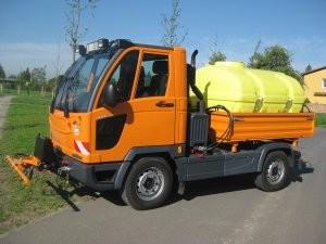 Multicar M27 vodní cisterna